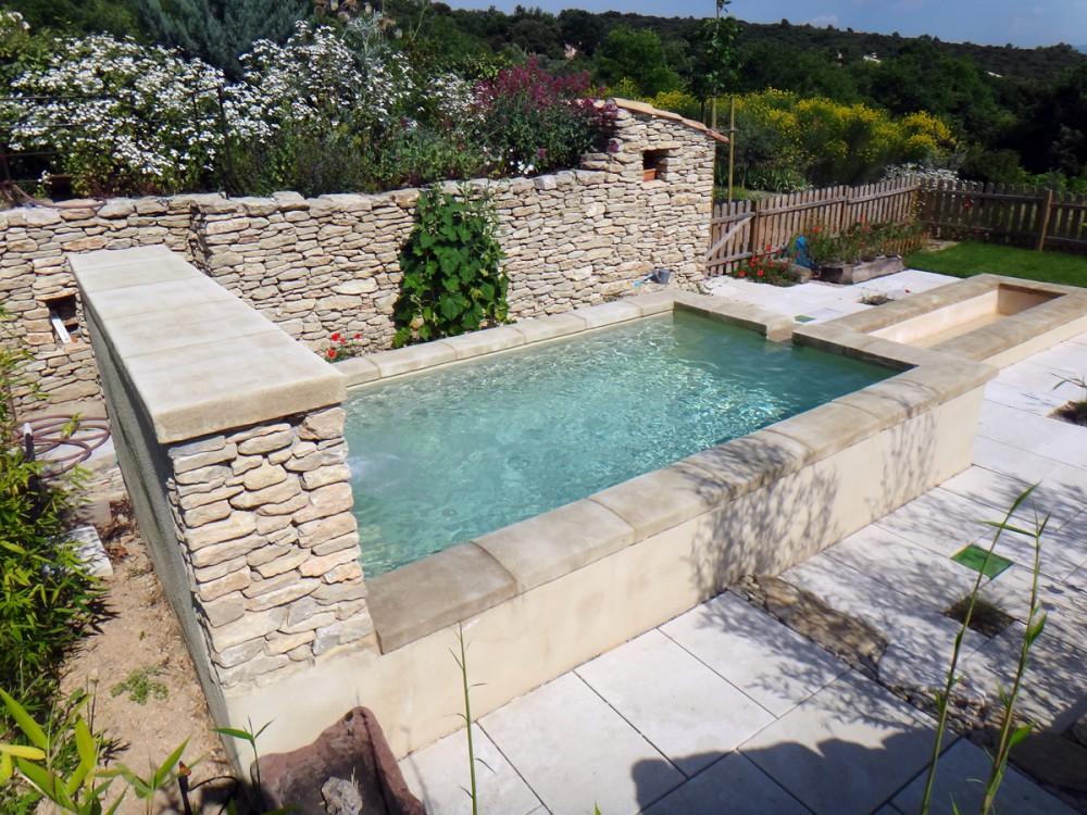 Bassin piscine for Piscine en dur pas cher