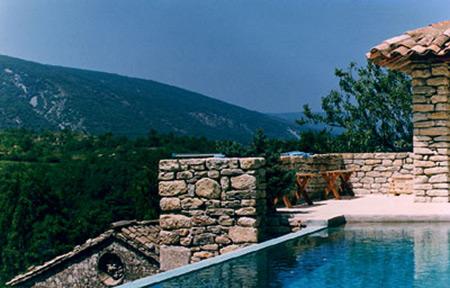 Construction de piscines en luberon sas moutte for Construction piscine 82