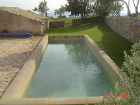 Construction de piscines en luberon sas moutte for Ab construction piscine